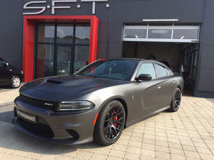 Dodge Charger SRT Hellcat in Satin Pearl Nero