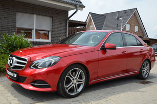 Mercedes E-Klasse foliert in candy red