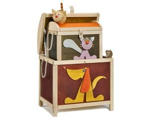 Spielzeugkiste mit Tieren