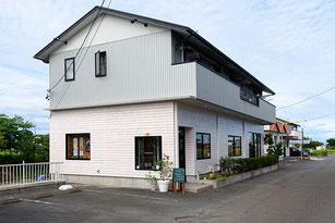 ナツガスタジオ外観/駐車場5台完備