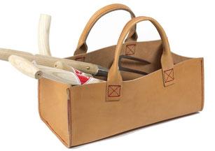 Gartentasche aus Leder von www.the-golden-rabbit.de