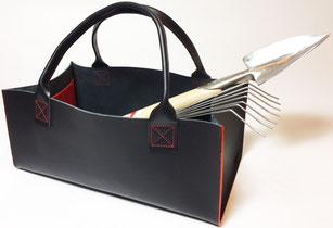 Solide Gartentasche aus Wasserbüffelleder. Ein würdiges Zuhause für Ihre Gartengeräte!