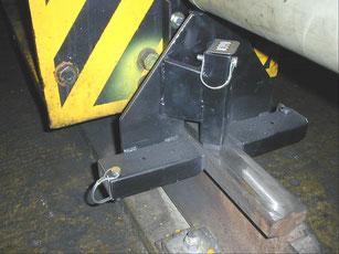 Montageplatte mit seitlich Schmierblock 10036 oder HG045 und an der Schienenoberseite Haftblock 10035