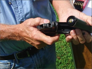 Beispielhaftes Bild einer konvertierten Leuchtpistole. Quelle: http://tipsforsurvivalists.com