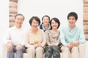 三世代家族の画像