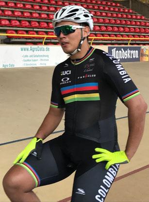Weltmeister Fabian Hernando Puerta Zapata aus Kolumbien im Keirin am Start