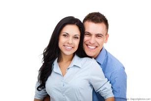 Implantate sitzen fest und fühlen sich an wie eigene Zähne.