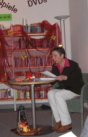 Margret Hanuschkin liest weihnachtliche Gedichte und Prosa