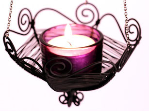 hängender Kerzenhalter mit Kette