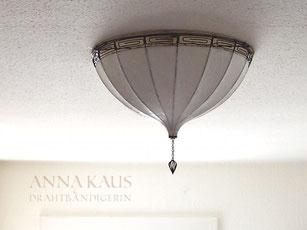 Deckenlampe schwarz-weiß