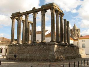 Эвора, Римский храм