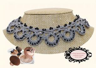 Elégance, beauté, féminité pour ce tour de cou Maya gris, un bijou au crochet avec perles