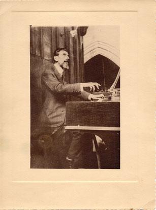 Victor Franc aux orgues de St Laurent