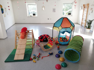 Babyturnen  Babys in Movement Graz Melanies Zwergerlschule