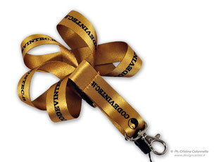 collarino portabadge lanyards dorato codevintec