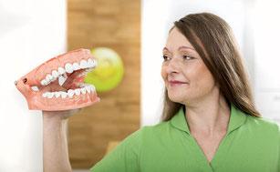 Was ist eine Wurzelbehandlung? Wann und warum wird sie durchgeführt?
