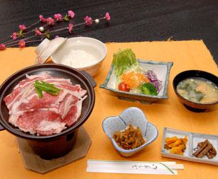 十和田ばら焼き定食 1296円(税込)