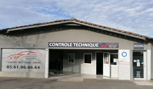 Cette image représente la façade du centre de contrôle technique de Tournefeuille