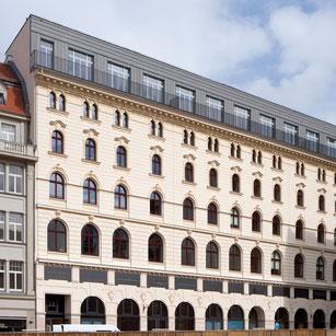 """Blick auf das """"Hôtel de Pologne"""" in der Hainstraße 16-18"""