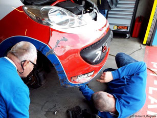 Peugeot ontdoen van grind