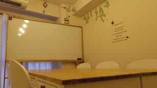 新宿貸し会議室にフルオーダーホワイトボードを設置しました