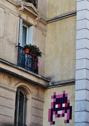 Space invader, rue de la Fidélité, 10ème