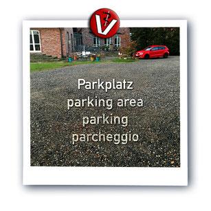 Parkplatz vor der Kleintierpraxis von Dr. Birge Herkt