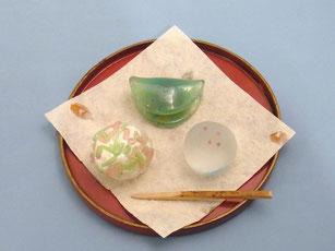 間宮香織 「ガラスの和菓子」