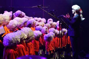 Ecole de musique à Crolles – Grésivaudan : La chorale des J&J lors d'un concert. Elle accueille les collégiens et les lycéens.