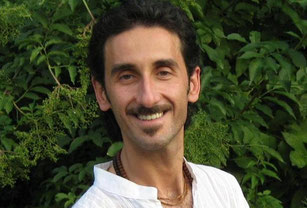 Contatti Carlo Cicchini Operatore Olistico Trainer Corsi Reiki Canto Armonico Pittura Interiore Verona Bologna