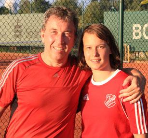 Rainer Mayer und Tochter Lisa Mayer heißen die stolzen Gewinner des Freixenet-Mixed-Cups 2016
