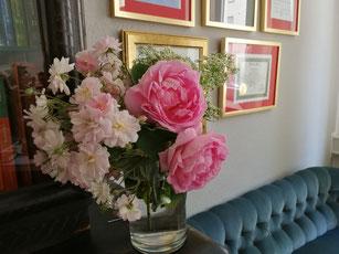 Rosen duften und schmecken...
