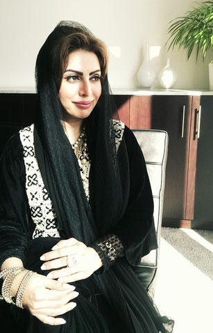 Kuratorin Mariam Al Suwaidi