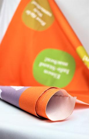 Gebrauchte Canvas Stoffe für ein tolles Upcycling und Recycling Projekt mit Reciclage