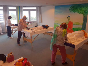 Holistic Pulsing Ausbildung München Michaela Hold Familienaufstellung Kartenlegen Spirituelles Coaching Yin Yoga