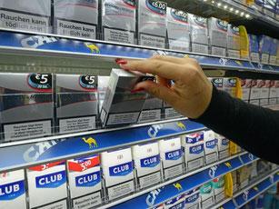 Franzosen kaufen wegen des Preisunterschiedes in Deutschland. Foto: P. Seeger