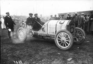 La Benz d'Hémery en 1908 lors du GP de France à Dieppe . Crédit photos : wikipédia