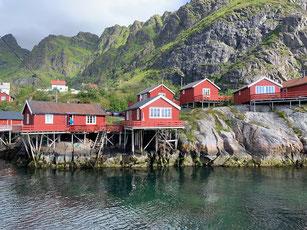 Typische Fischerhäuser, Lofoten, Norwegen.