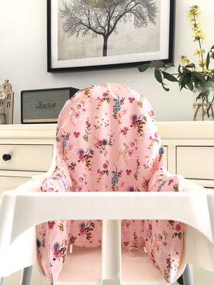 cette image représente une housse de chaise haute Ikea modèle Alba