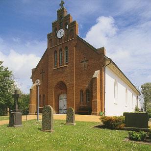 Neue Kirche St. Crucis Pellworm außen