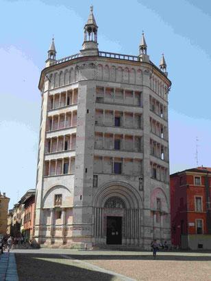 Das Baptisterium des Dom von Parma