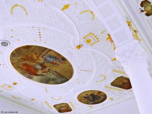 Barockes Kassettengewölbe in Pastelltönen