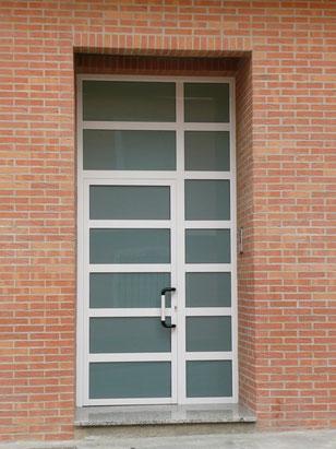 Carpintería de aluminio: Puerta de finca