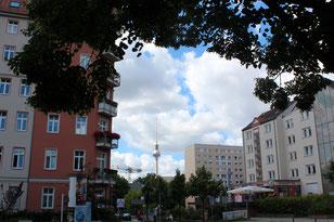 Blick vom Volkspark Friedrichshain /Ecke Friedenstrasse