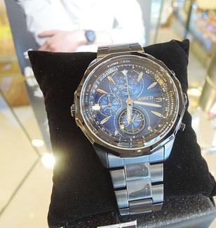 SEIKO(セイコー)のメンズ向けブランドとして評判の「WIRED」(ワイアード)。ブルーの文字盤がとってもカッコイイ腕時計