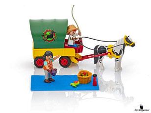 Die Besonderheit im Playmobil Paket 6948 ist dass die Plane beim Ponywagen abnehmbar ist.