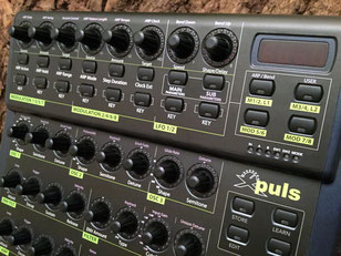 Xpuls BCR - Behringer BCR2000 Controller Overlay + MIDI template, mxpand - for Waldorf Pulse 2, analog desktop synthesizer, high-quality operating template/front foil/skin/film, intuitive hardware editor