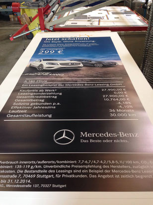 rollup display mercedes benz