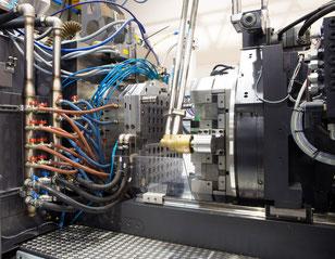 Maschinenumzug einer Spritzgussmaschine