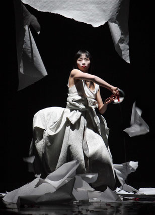 Pearl, Dancer: Yi-Chun Liu, Photographer: H. Gerritsen, 2012